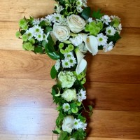 vogue-in-a-vase-funeral-flwoers-cross-wreath-gallery