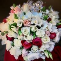 vogue-in-a-vase-wedding-bouquet-4