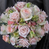 posy bouquet pale pink Img_1664