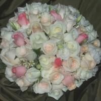 white cream peach pink posy bouquet