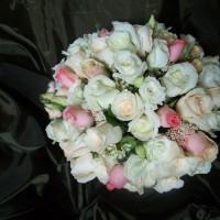 white cream pink posy bouquet